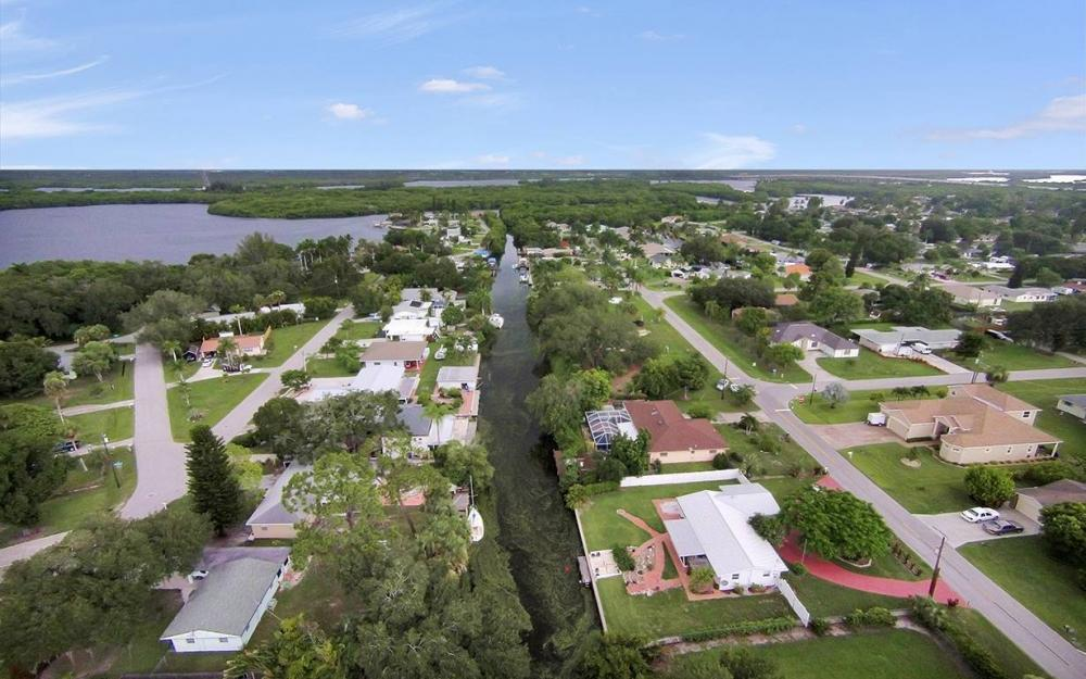 177 Alameda Ave, Fort Myers - House For Sale 459405162