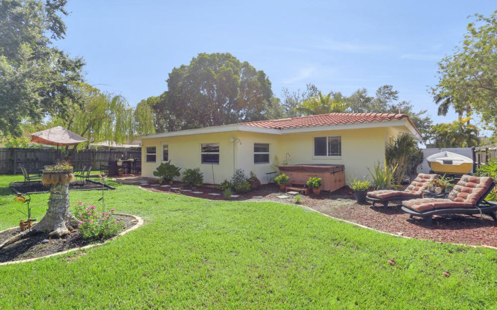 4634 SE 20th Pl Cape Coral - Home For Sale 405622897