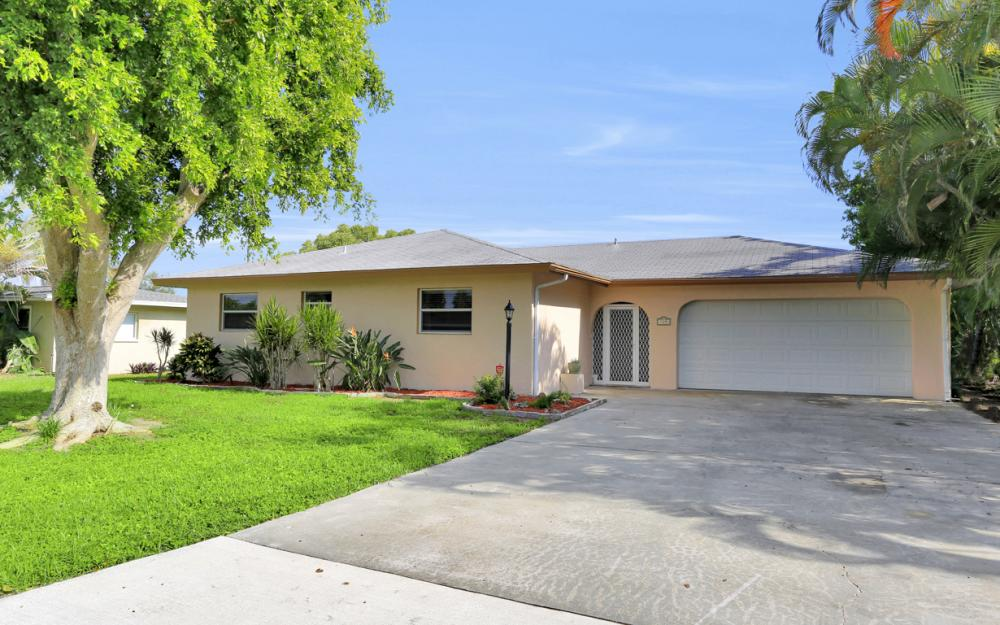 729 Sesame Ct Cape Coral - Home For Sale 1335867372