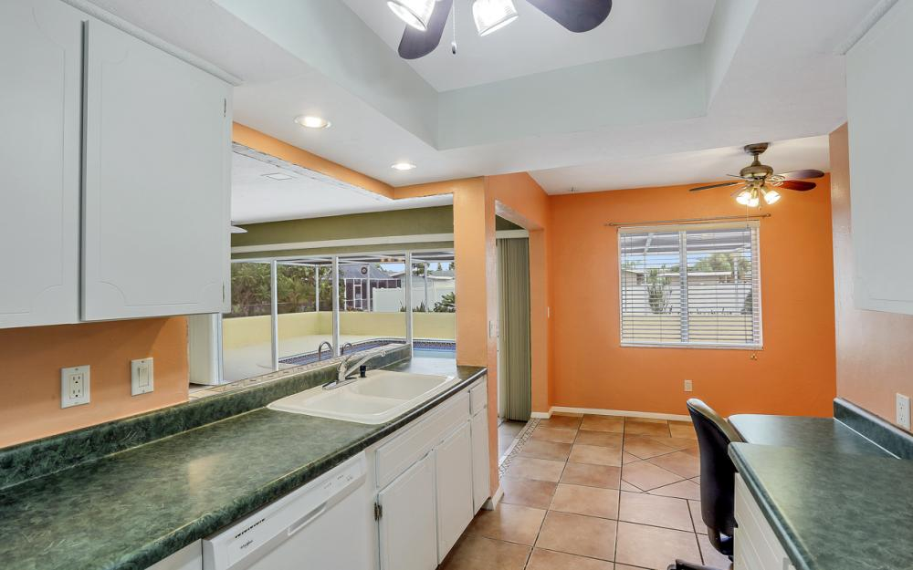 729 Sesame Ct Cape Coral - Home For Sale 1823554484