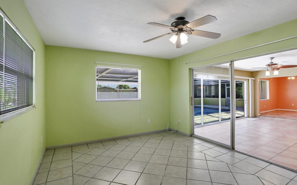 729 Sesame Ct Cape Coral - Home For Sale 879486406