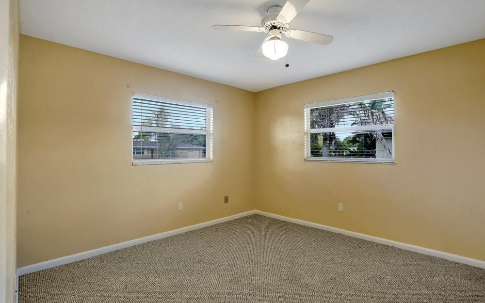 729 Sesame Ct Cape Coral - Home For Sale 1789142894