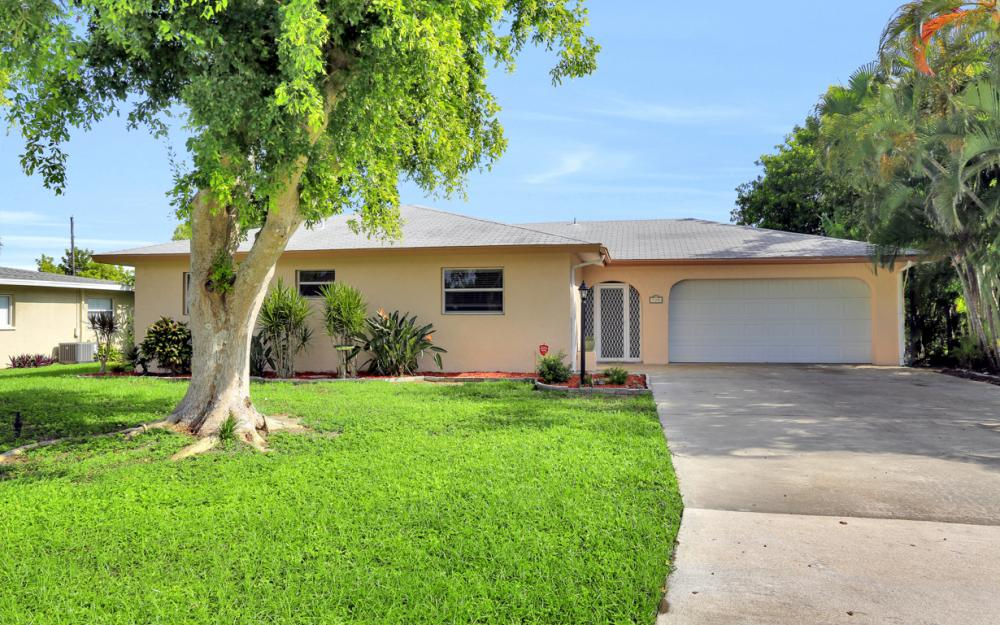 729 Sesame Ct Cape Coral - Home For Sale 1668461975