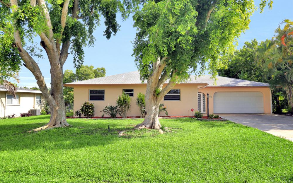 729 Sesame Ct Cape Coral - Home For Sale 2125061174