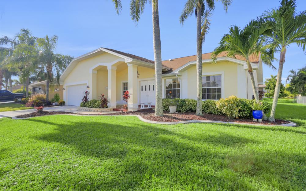 2310 SW 40th St Cape Coral - Home For Sale 1900986113
