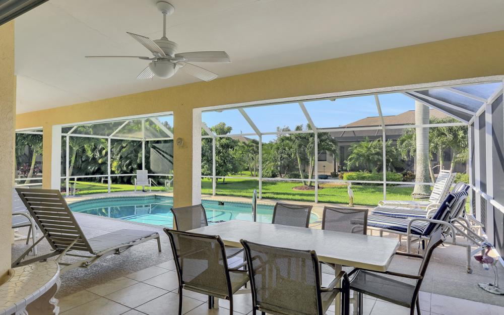 2310 SW 40th St Cape Coral - Home For Sale 964633696