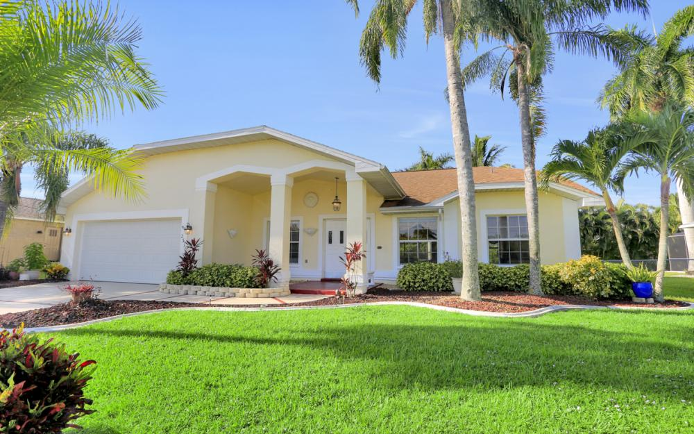 2310 SW 40th St Cape Coral - Home For Sale 1756997187