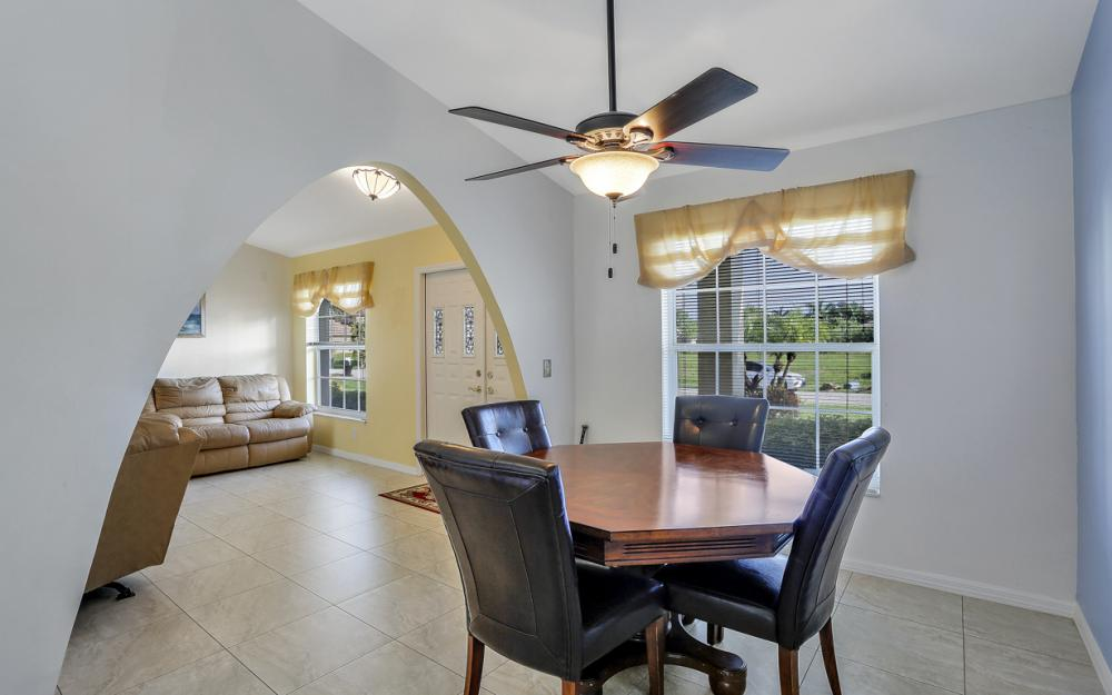 2310 SW 40th St Cape Coral - Home For Sale 759904501