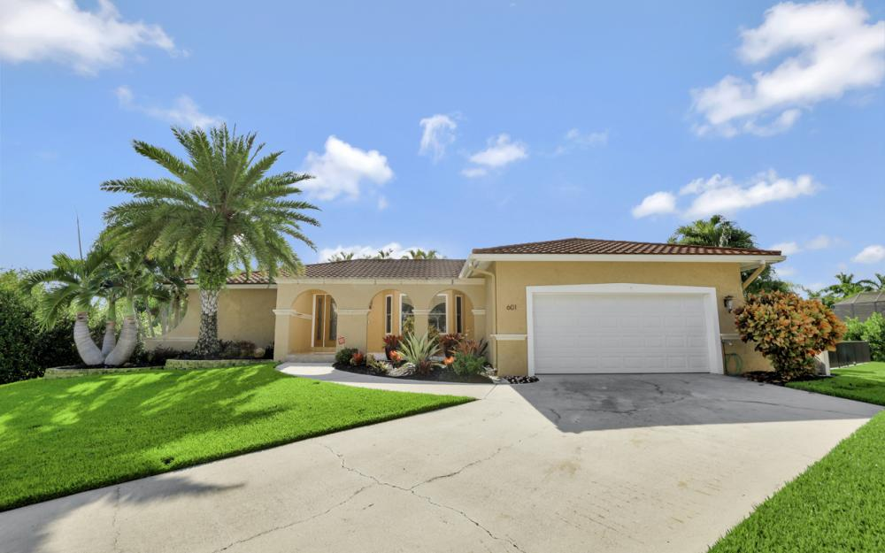 601 Lewis Ct, Marco Island - Vacation Rental 2043125980