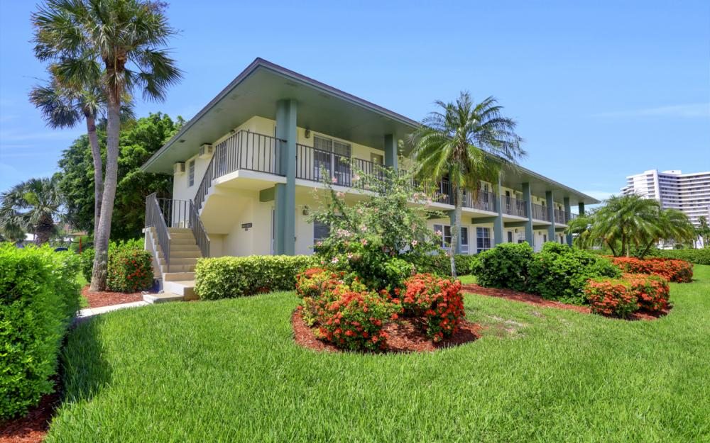 235 Seaview Ct #A6, Marco Island - Condo For Sale 628010557