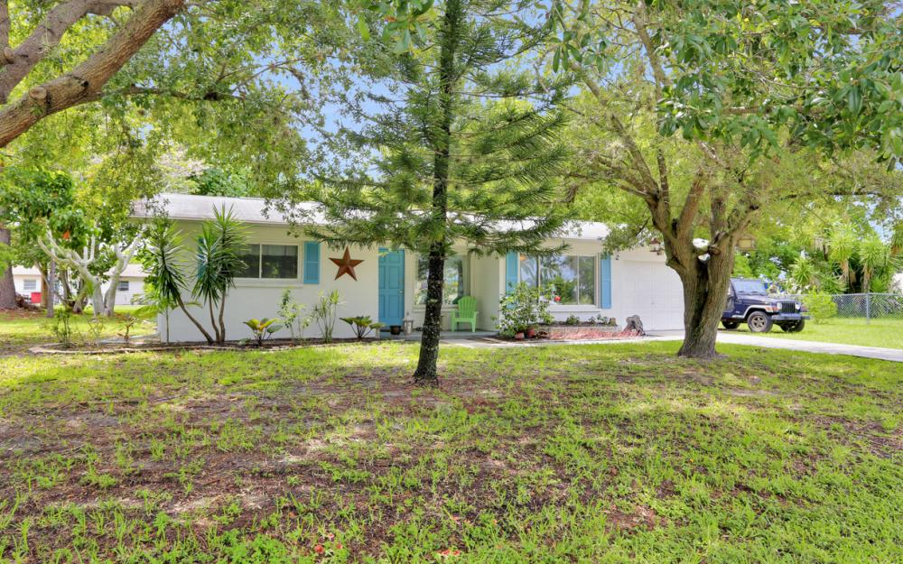 5202 York Ct, Cape Coral - Home For Sale 247087752