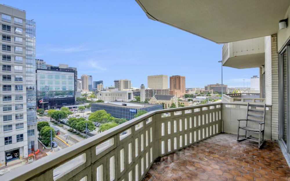 2016 Main St #903, Houston - Condo For Sale 512987191