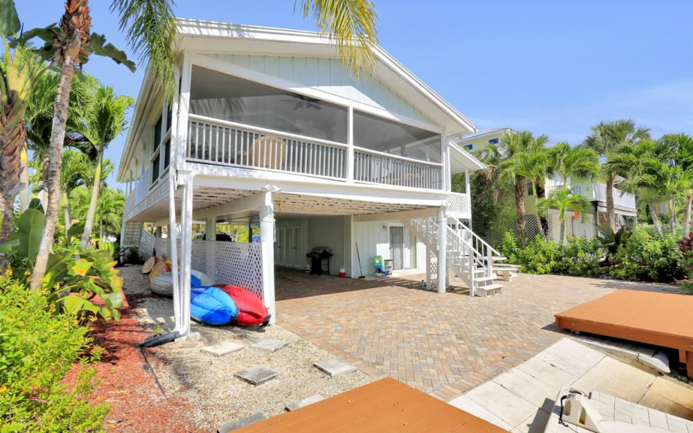 1294 Grand Canal Dr, Naples - Home For Sale 356139377