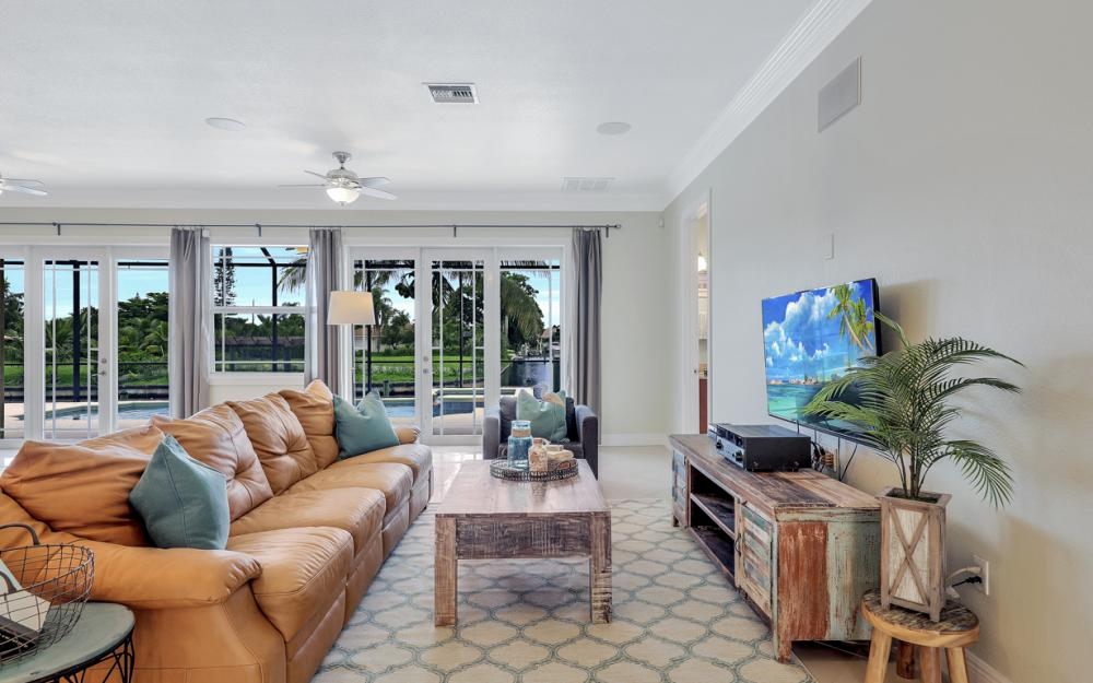 1930 Everest Pkwy Cape Coral - Home For Sale 541533393