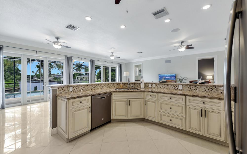 1930 Everest Pkwy Cape Coral - Home For Sale 927265709