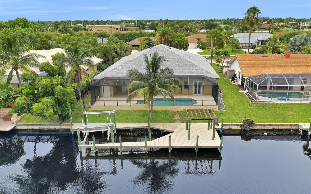 1930 Everest Pkwy Cape Coral - Home For Sale 188124115
