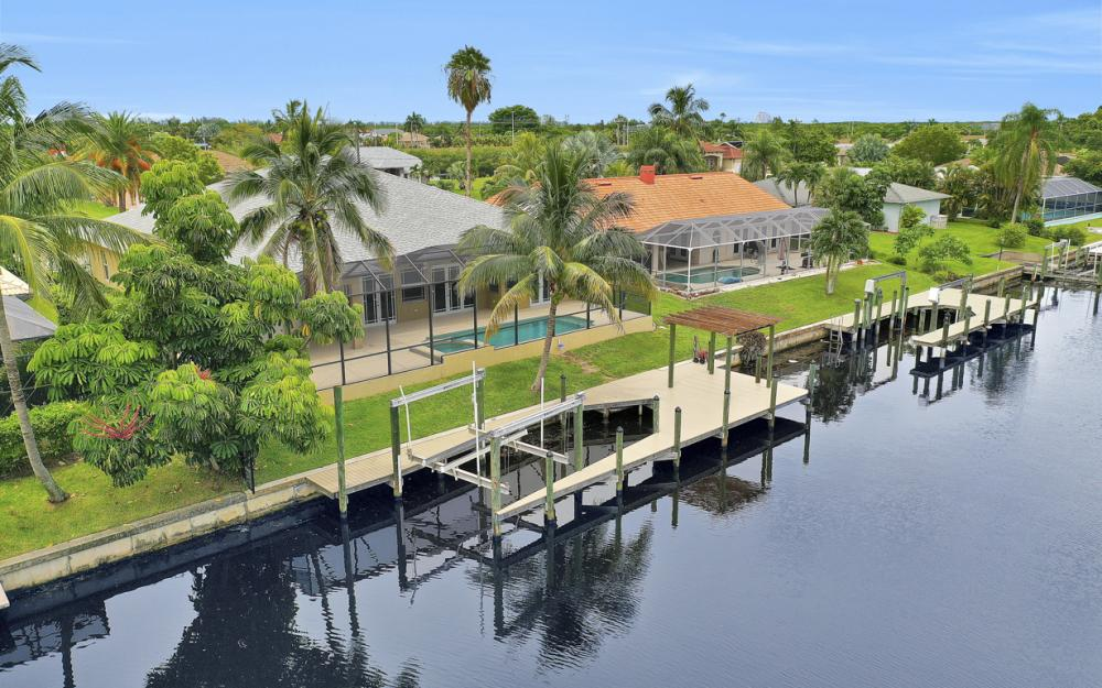 1930 Everest Pkwy Cape Coral - Home For Sale 37301799