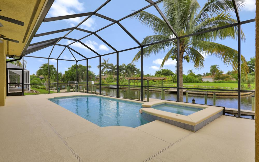 1930 Everest Pkwy Cape Coral - Home For Sale 284855106
