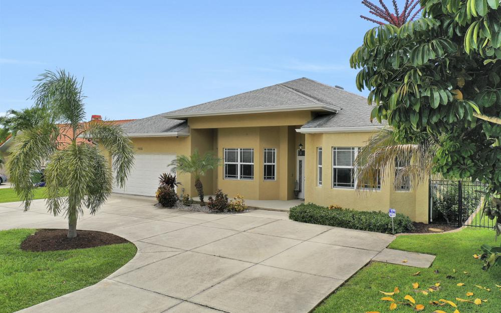 1930 Everest Pkwy Cape Coral - Home For Sale 1156494656