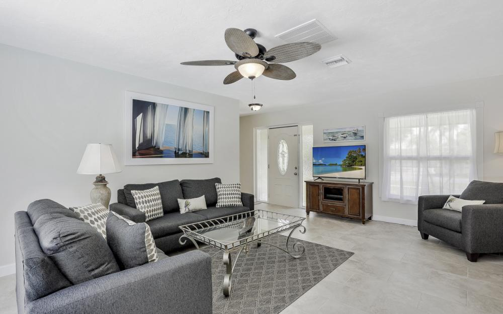 1260 Skylark Ave, Marco Island - Vacation Rental 842063561