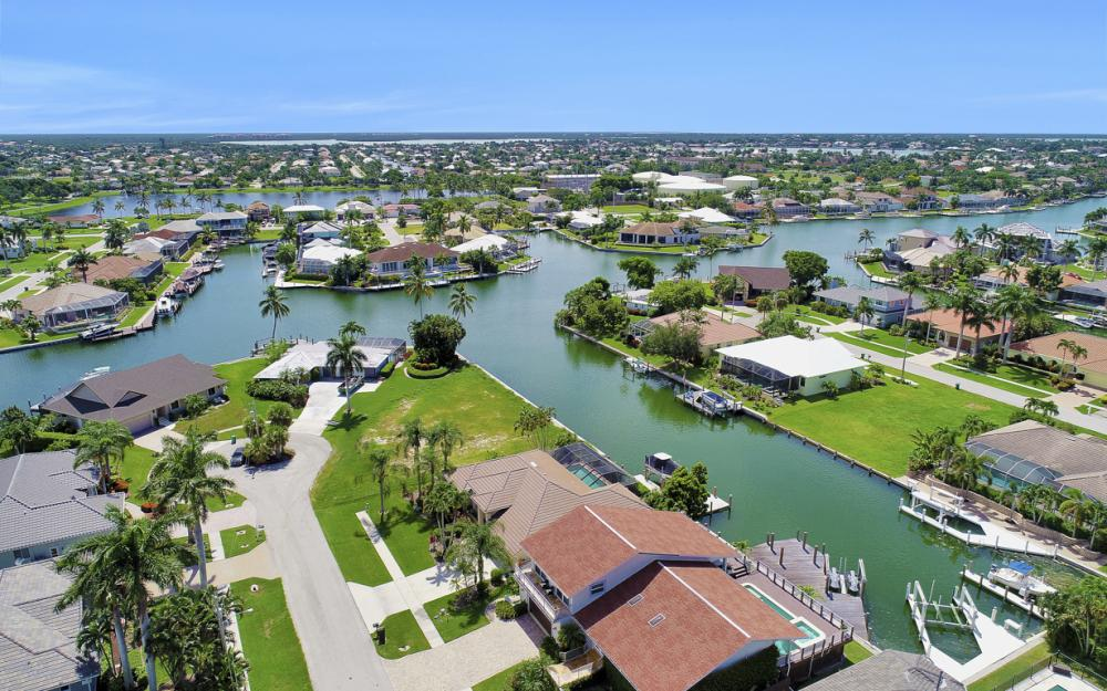1221 Lamplighter Ct, Marco Island - Vacation Rental 1037221398