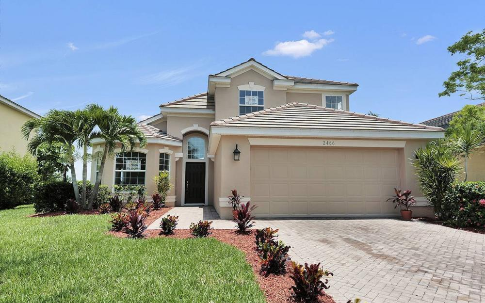 2466 Blackburn Cir, Cape Coral - House For Sale 371931300