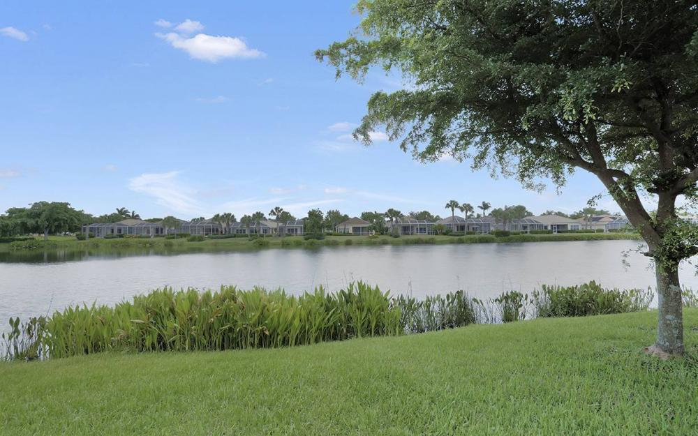 2466 Blackburn Cir, Cape Coral - House For Sale 809948218