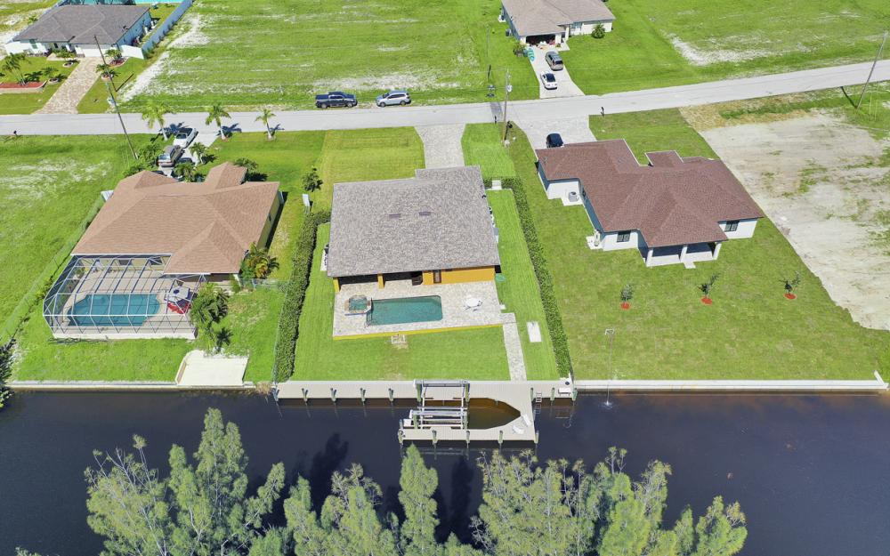 2023 NW 32nd Ct, Cape Coral - Home For Sale 1886060237