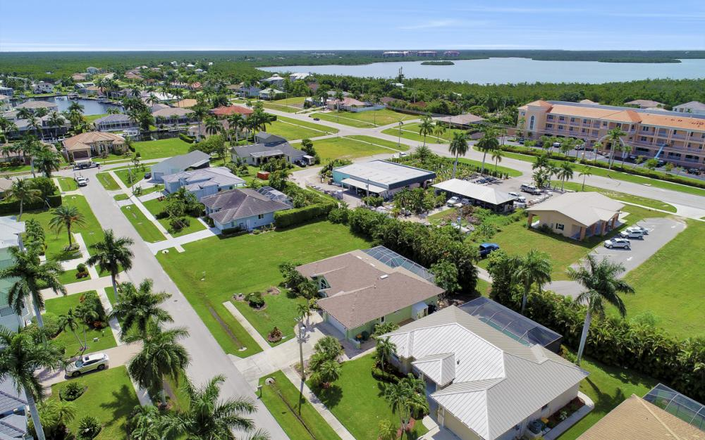 1865 N Bahama Ave, Marco Island - Home For Sale 37719075
