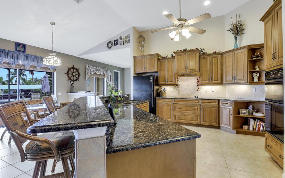 3936 SW 27th Ave, Cape Coral - Home For Sale 421744548