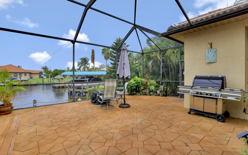 3936 SW 27th Ave, Cape Coral - Home For Sale 888601934