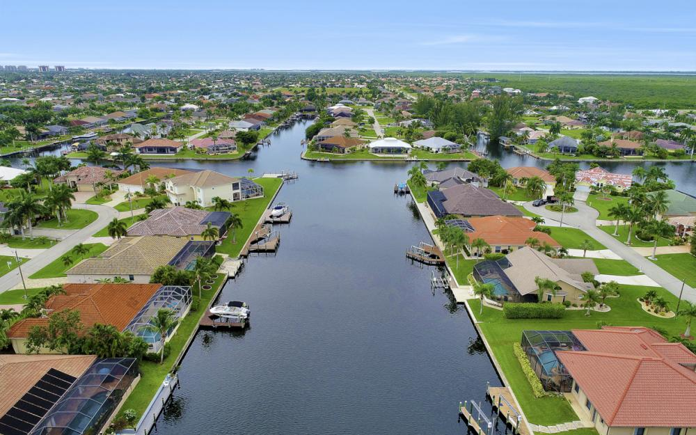 3936 SW 27th Ave, Cape Coral - Home For Sale 691337380