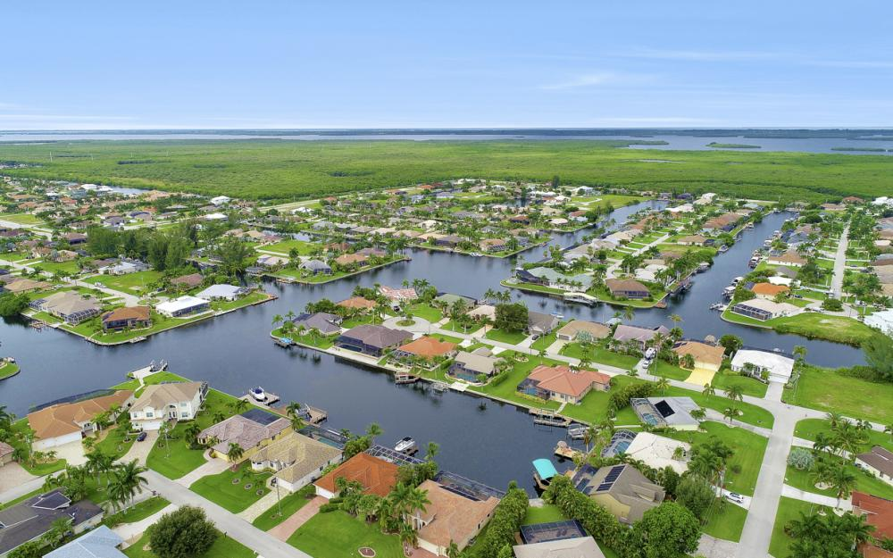 3936 SW 27th Ave, Cape Coral - Home For Sale 680068268