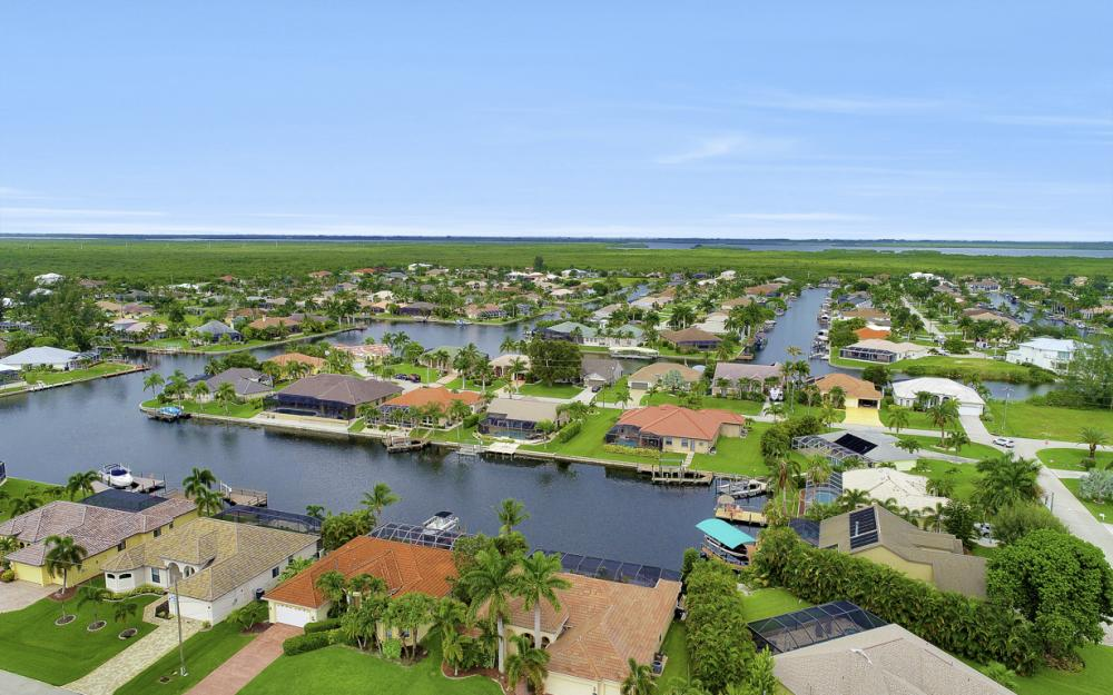 3936 SW 27th Ave, Cape Coral - Home For Sale 747261960