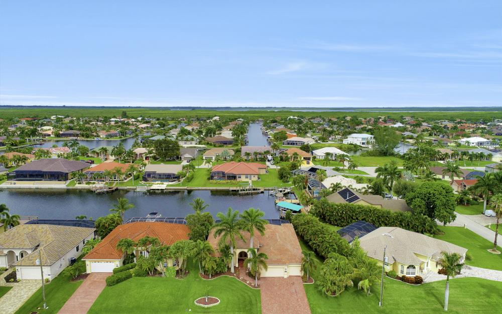 3936 SW 27th Ave, Cape Coral - Home For Sale 2085662198