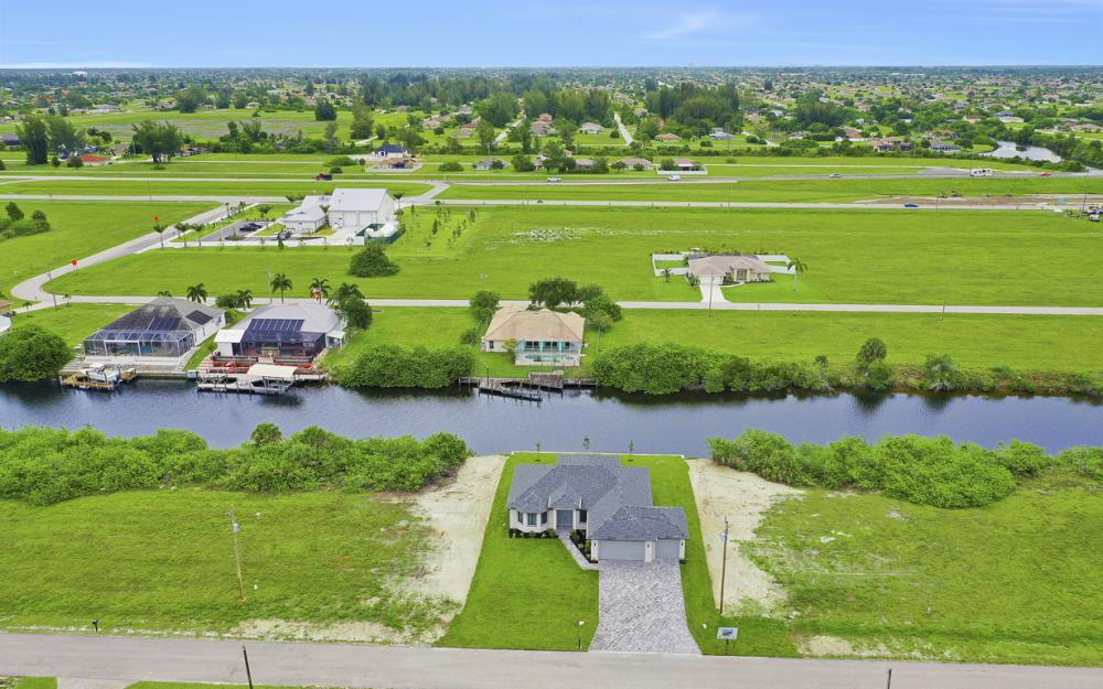 1019 NW 33rd Ave, Cape Coral - Home For Sale 1851308293