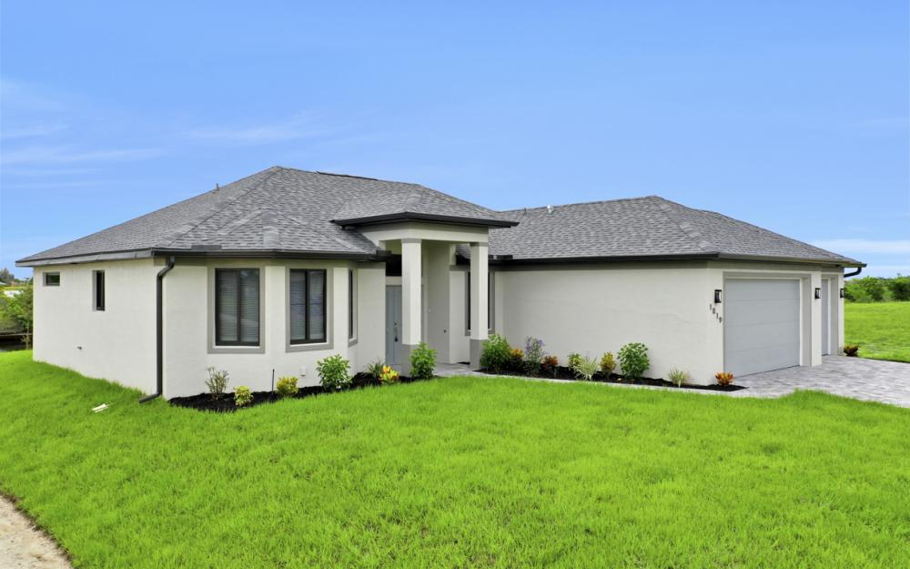 1019 NW 33rd Ave, Cape Coral - Home For Sale 1977987076