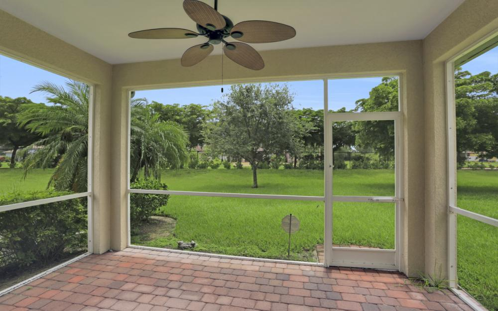 2506 Blackburn Cir, Cape Coral - Home For Sale 1713002600