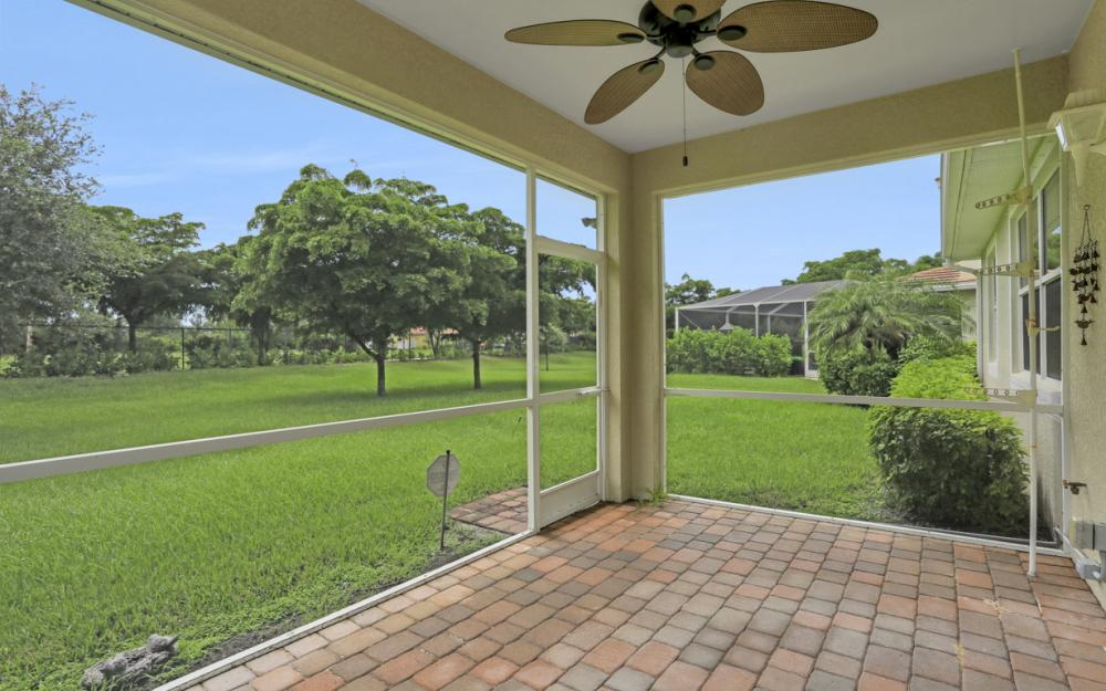 2506 Blackburn Cir, Cape Coral - Home For Sale 2132217961