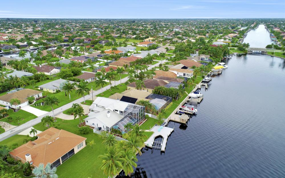 2842 SW 51st St, Cape Coral - Luxury Home For Sale 244246015