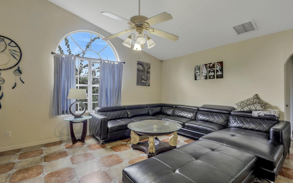 2717 Diplomat Pkwy W, Cape Coral - Home For Sale 735241140