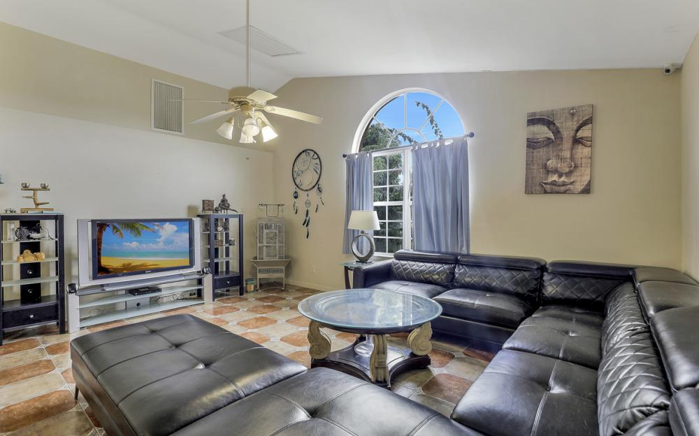 2717 Diplomat Pkwy W, Cape Coral - Home For Sale 1401604492