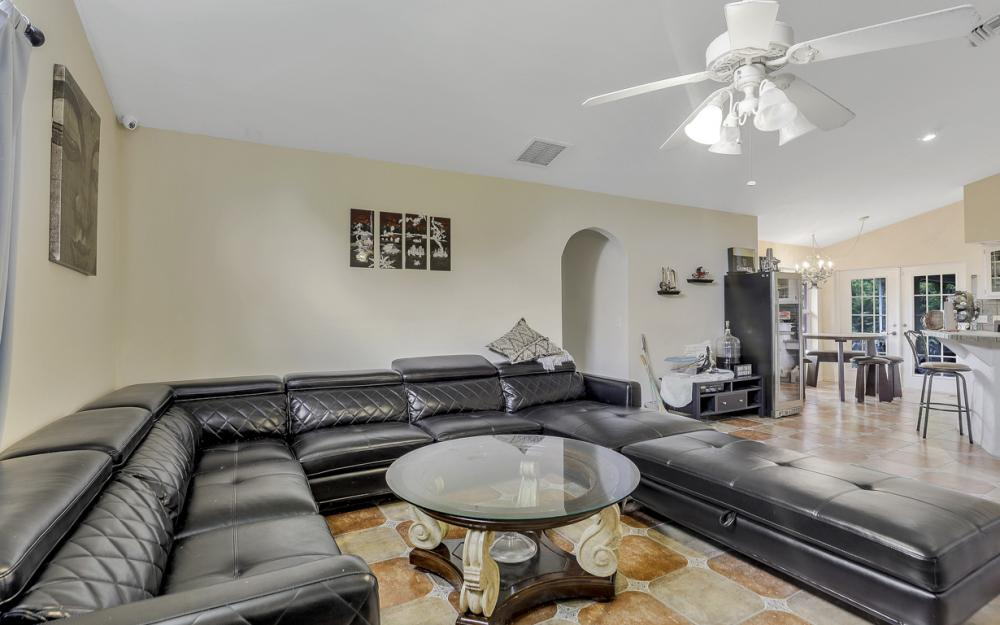 2717 Diplomat Pkwy W, Cape Coral - Home For Sale 645287087