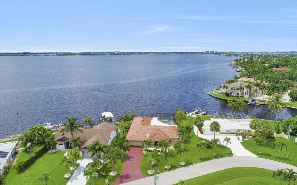 1608 Edith Esplanade, Cape Coral - Home For Sale 1869139793