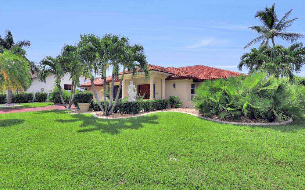 1608 Edith Esplanade, Cape Coral - Home For Sale 2101424564