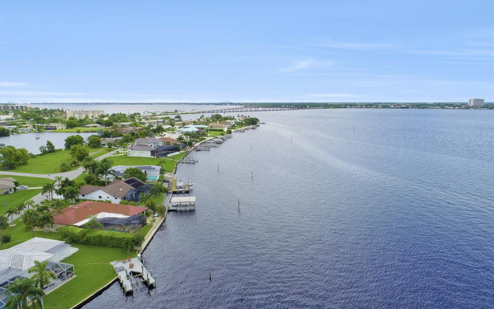 1608 Edith Esplanade, Cape Coral - Home For Sale 135585605