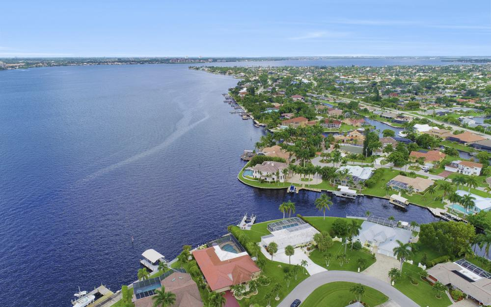 1608 Edith Esplanade, Cape Coral - Home For Sale 956943073