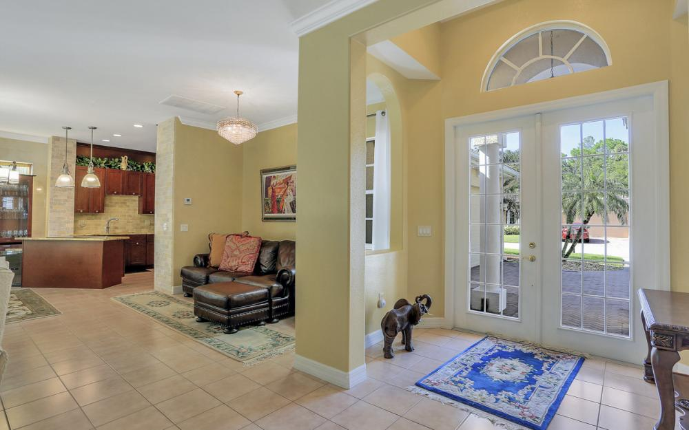 12911 Silverthorn Ct, Bonita Springs - Home For Sale 203454667