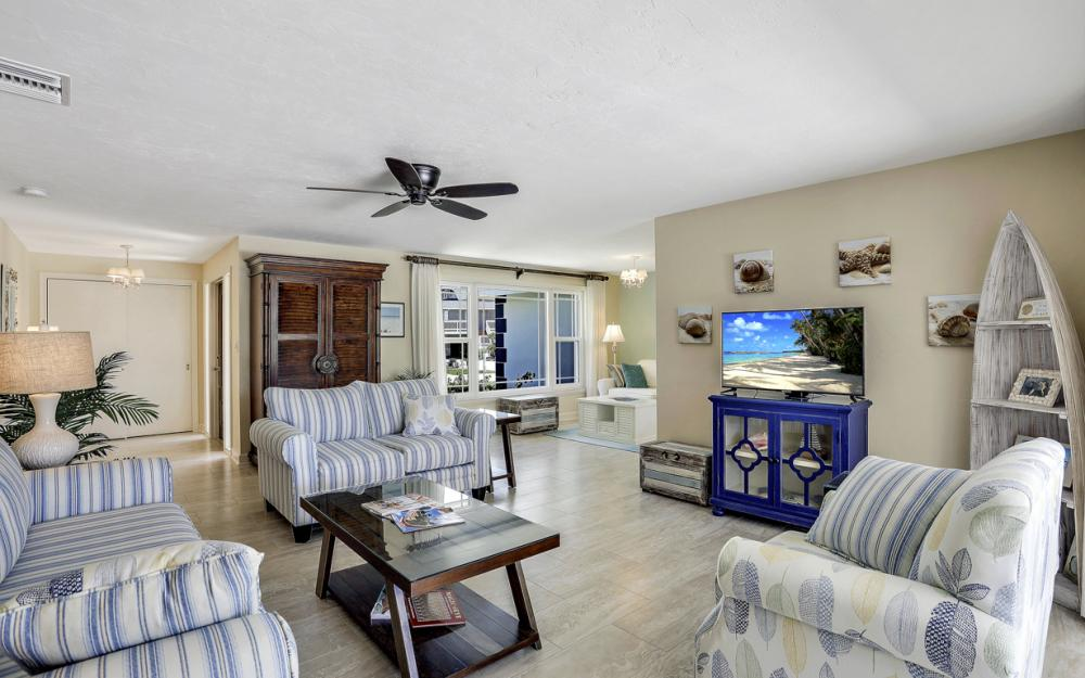 365 Henderson Ct Marco Island - Vacation Rental  1029580853