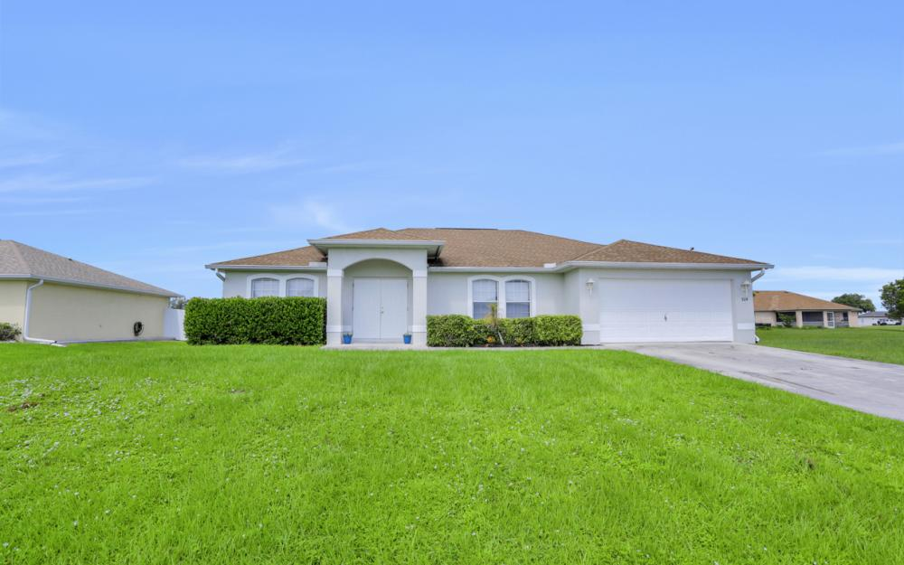 924 NE 4th Pl, Cape Coral - Home For Sale 215605542
